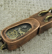 Steampunk Flash Drive Impresses With Glowing Gears
