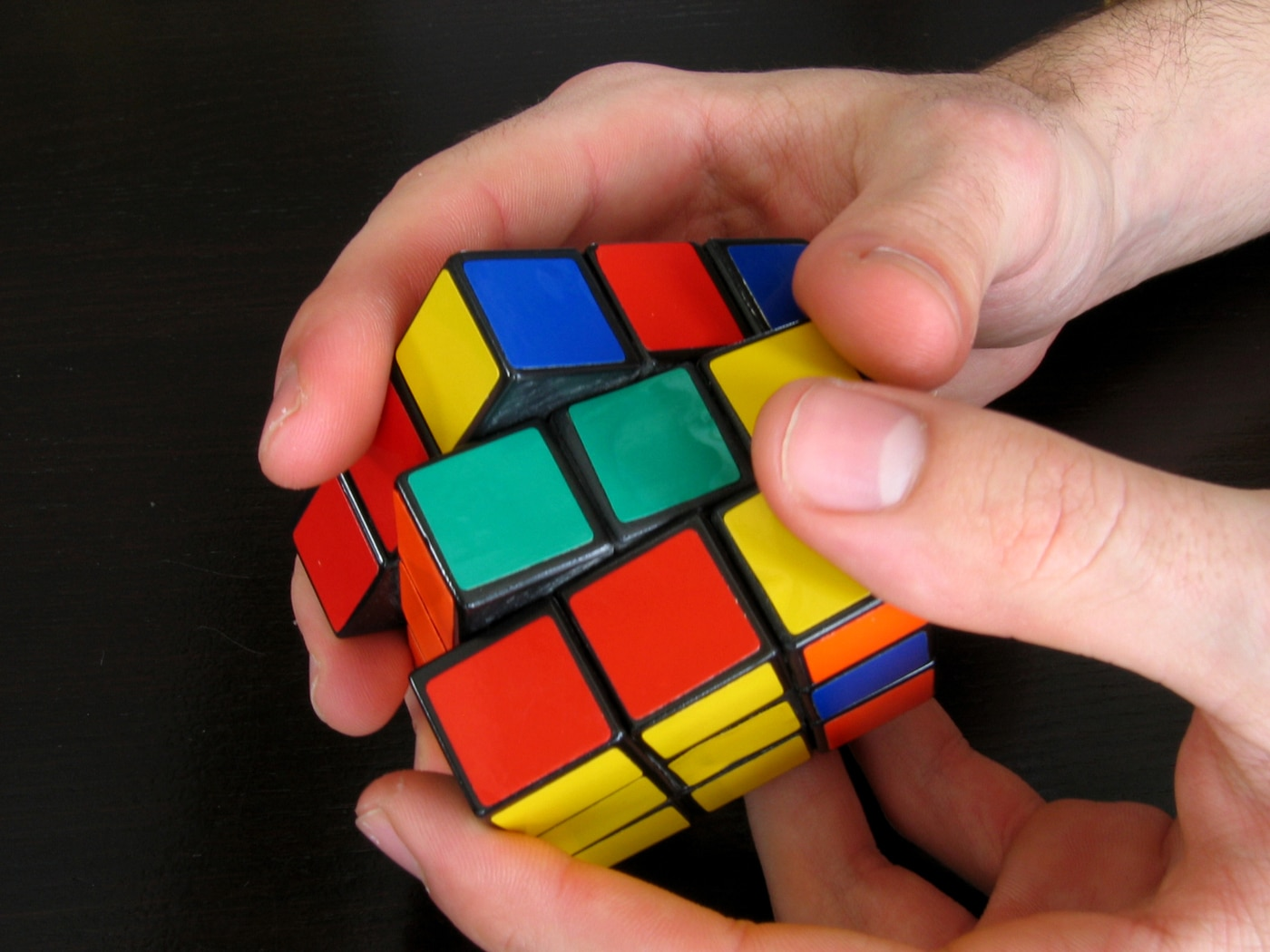 How To Look Like You Can Solve A Rubik's Cube Even If You Can't