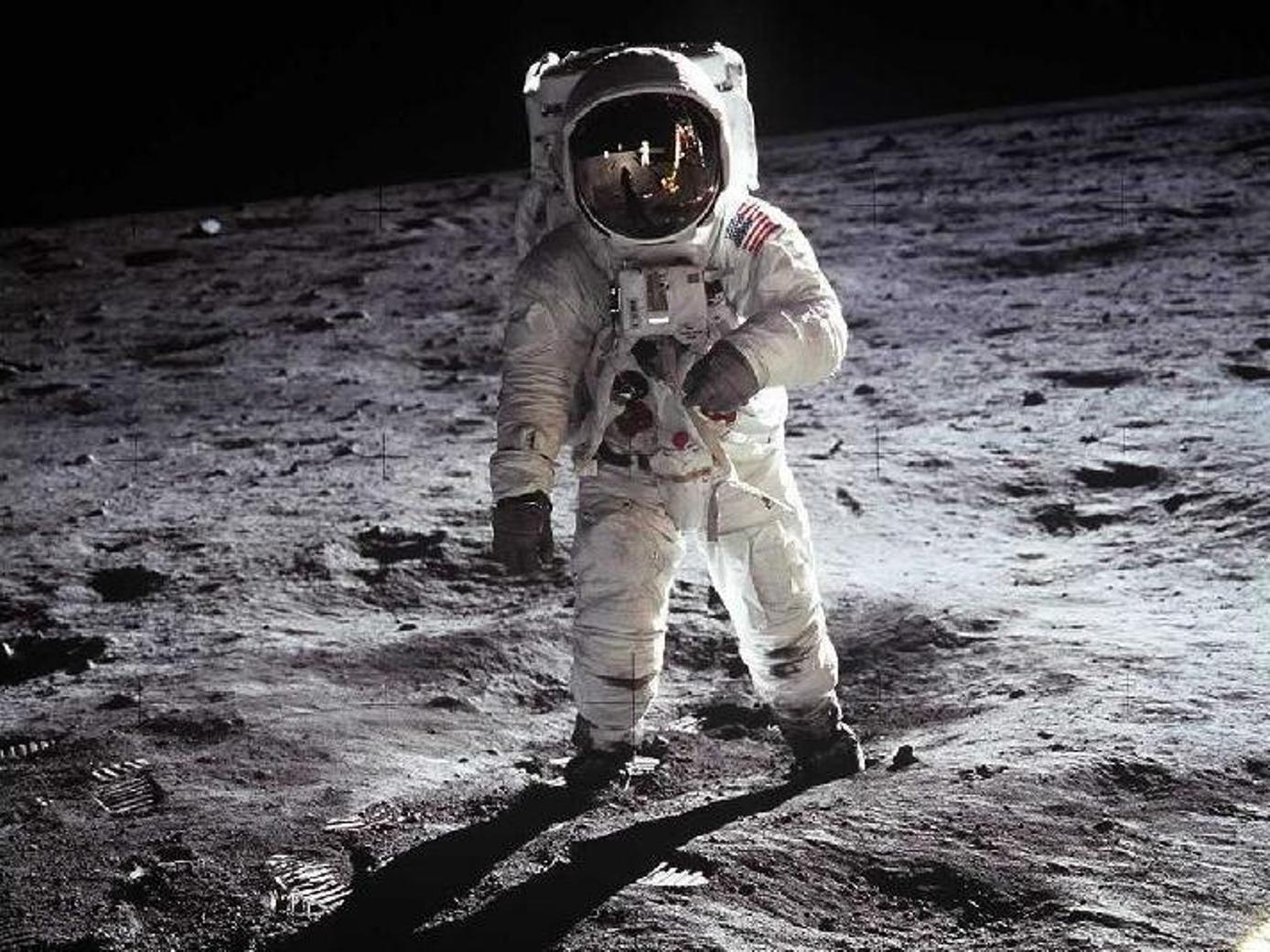Authentic Footage Of Falling Astronauts Shows Moonwalking Is Tricky