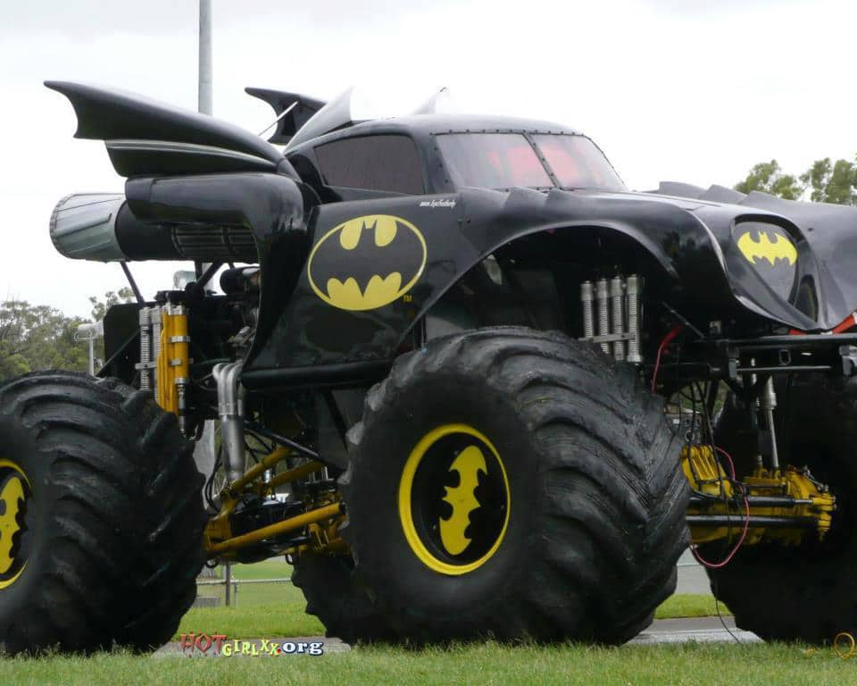 batmobile monster truck mod now that 39 s what i call a truck. Black Bedroom Furniture Sets. Home Design Ideas