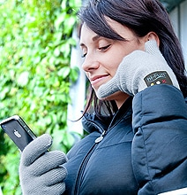 Bluetooth Handset Gloves: Answer Phone By Putting Fingers To Your Ear