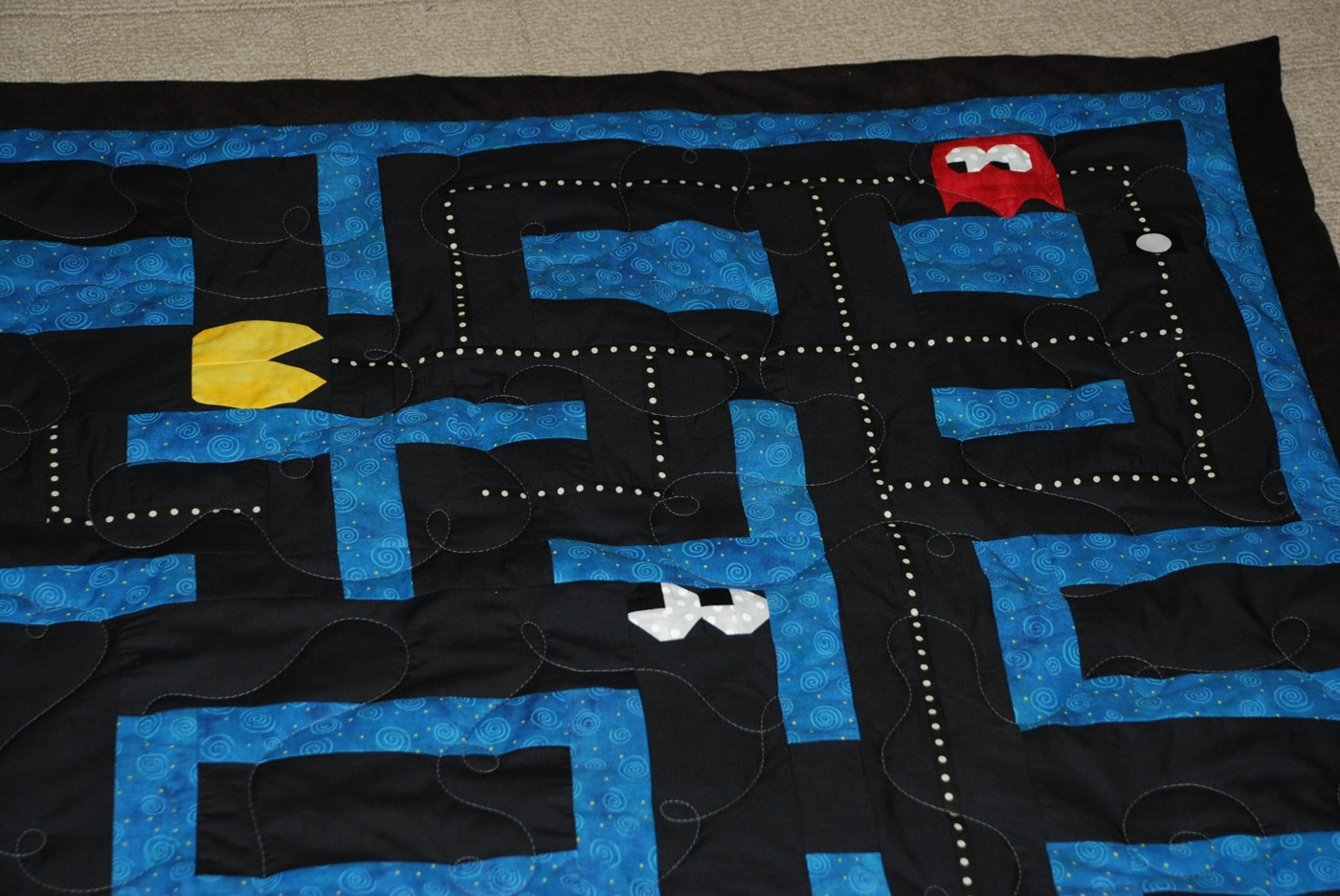 pacman-baby-blankets-quilt