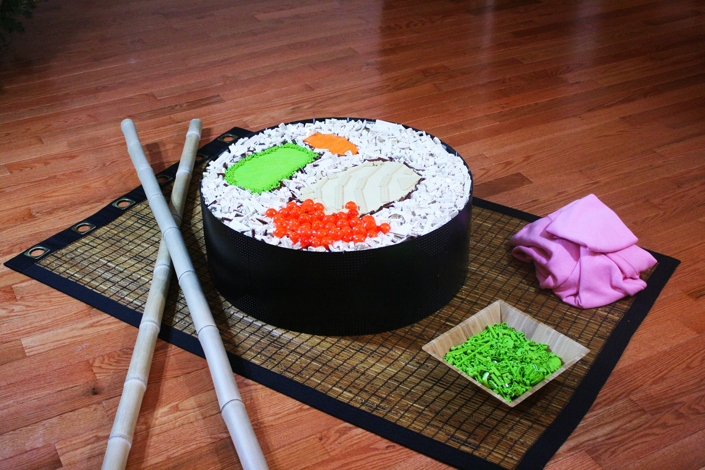 lego-sushi-roll-sculpture