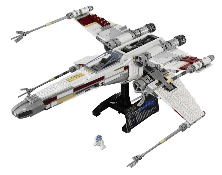 Official LEGO X-Wing Made Out Of An Impressive 1,558 LEGO Blocks