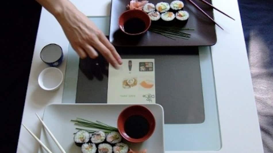 order-dinner-multitouch-table