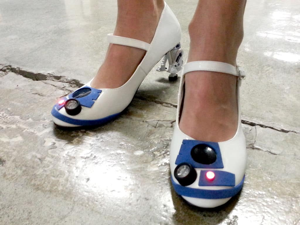 star-wars-r2-d2-shoes
