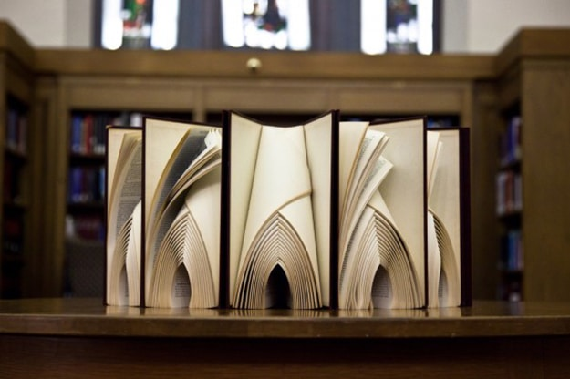 Pages-of-books-create-art