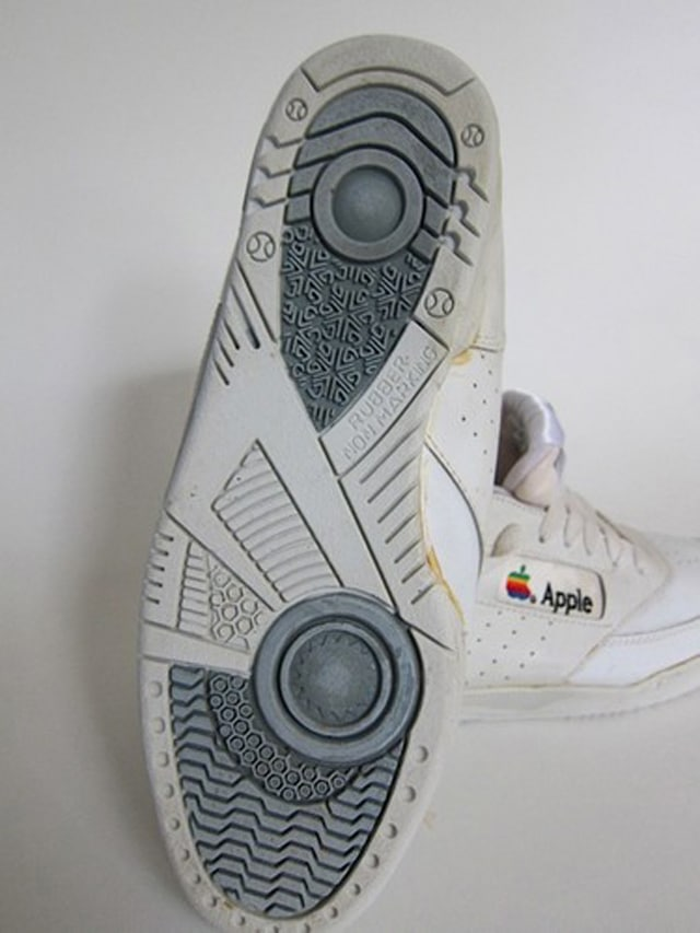 apple-shoes-from-90s