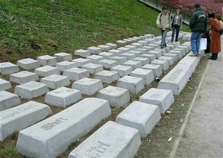 computer-keyboard-made-from-stone