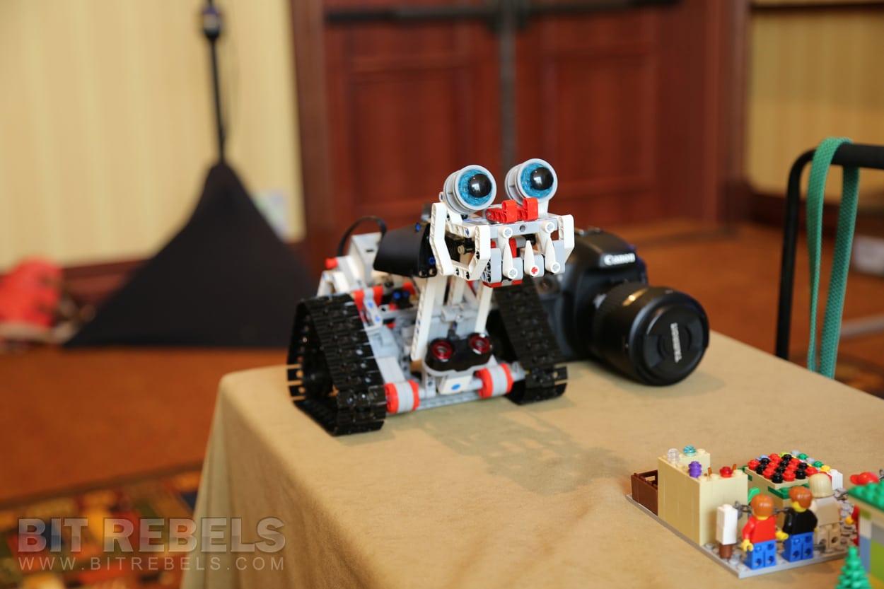 SXSW 2013: LEGO Shows Off Their Newest Generation Of LEGO Robotics