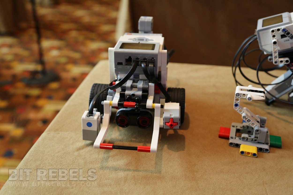 lego-robotics-mindstorms-education
