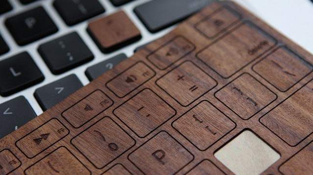 super popular f0e34 f3555 Give Your MacBook Pro Some Personality With Wood Keyboard Keys | Bit ...