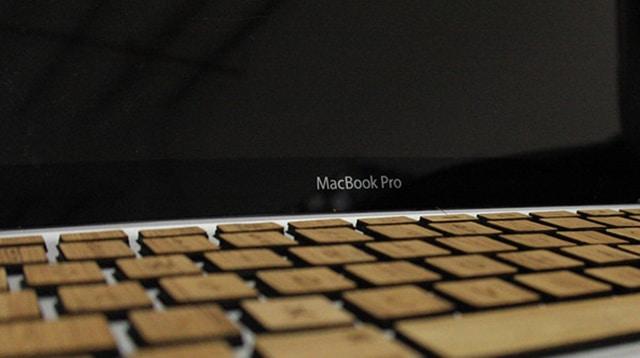 macbook-pro-wood-keyboard