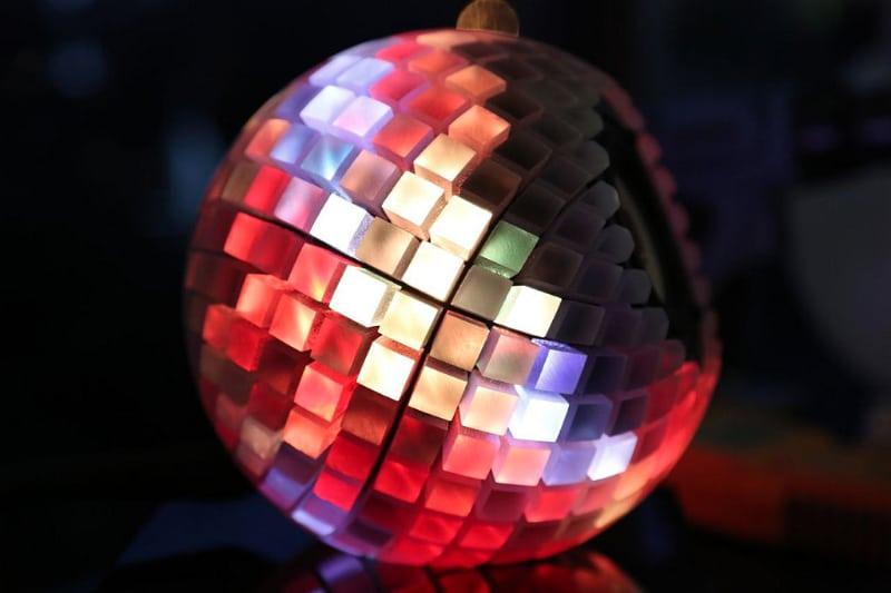printed-speakers-led-light-show