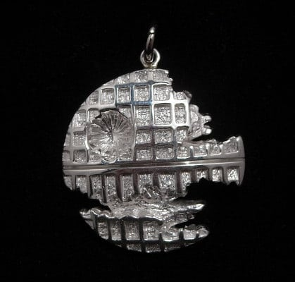 star-wars-death-star-pendant