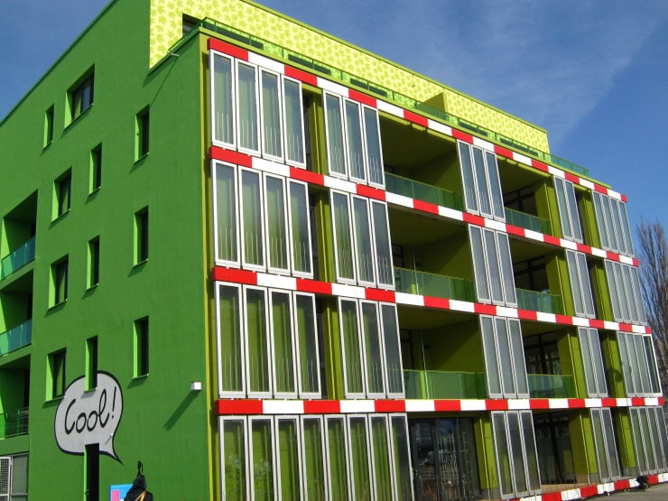 Green Tech: First Ever Bio-Adaptive Algae-Powered Building Opens
