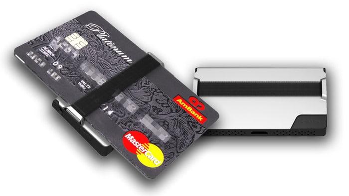 anti-lost-smart-wallet