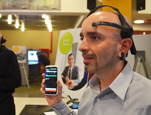 brain-controlled-phone-app-brainwaves
