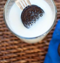 Oreo Dunking Lifehack: You'll Never Dunk An Oreo The Same Way Again