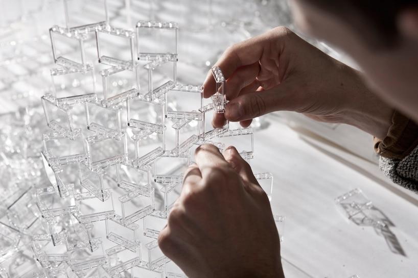 lego-pieces-geek-chandelier