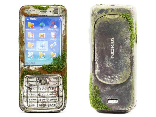 modern-gadgets-aging-art