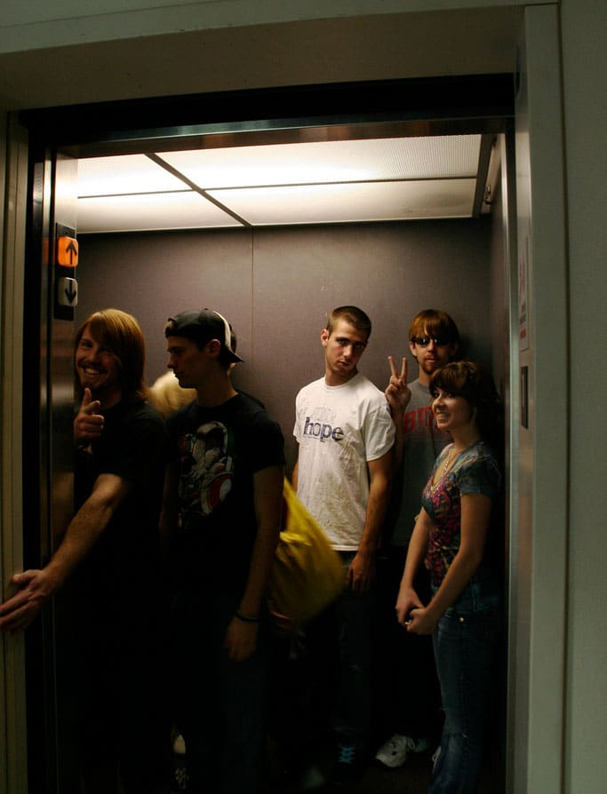 pscychology-behind-crowded-elevators