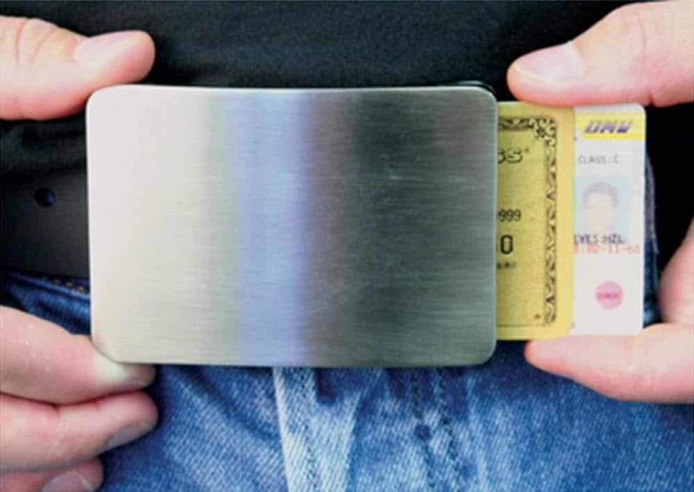 smart-belt-buckle-storage