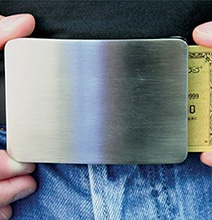 Smart Belt Keeps Your Credit Cards & Valuables Safe