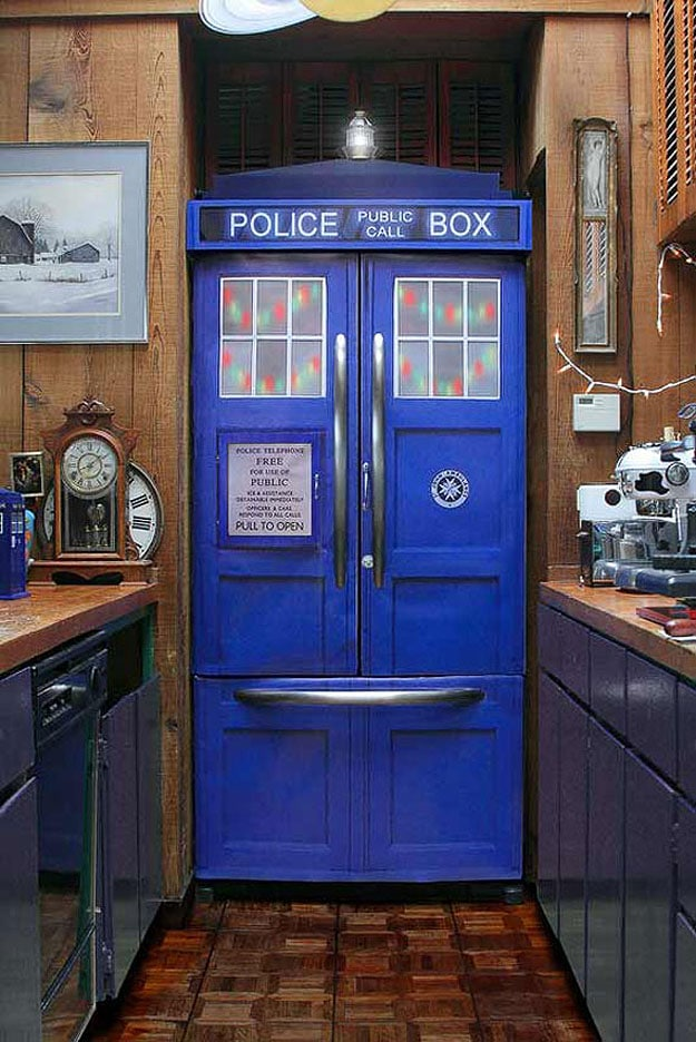 DIY TARDIS Police Box Fridge Turns Your Kitchen Into A Geek's Paradise