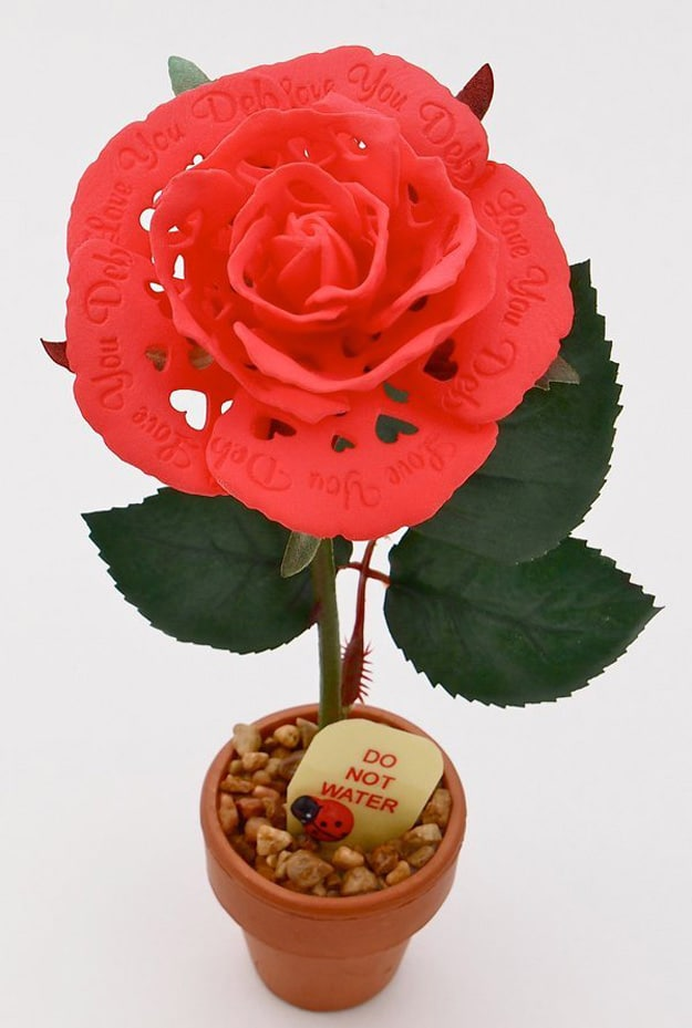 Geek Love: 3D Printed Red Rose For Your High Tech Romance