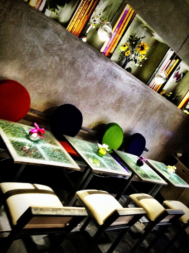 Hotel-Lobby-Colorful-Chairs