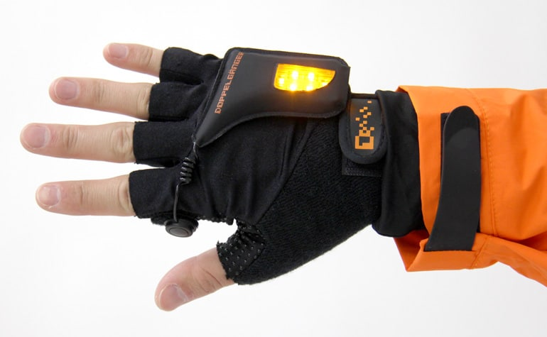 Turn Signal Bike Gloves Use LED Lights For Visibility