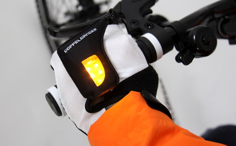 doppelganger-turn-signal-gloves
