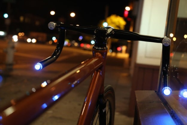 High Tech Bike Handlebars Use GPS & Bluetooth To Log Rides