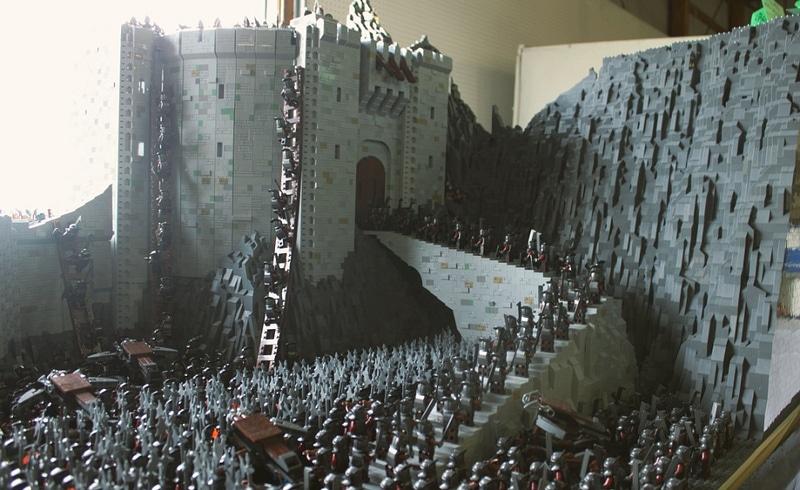 Epic LEGO Build Recreates The Insane Battle At Helm's Deep
