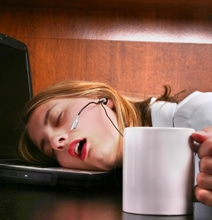 How To: Stay Awake When Work Deadlines Are Looming [Infographic]