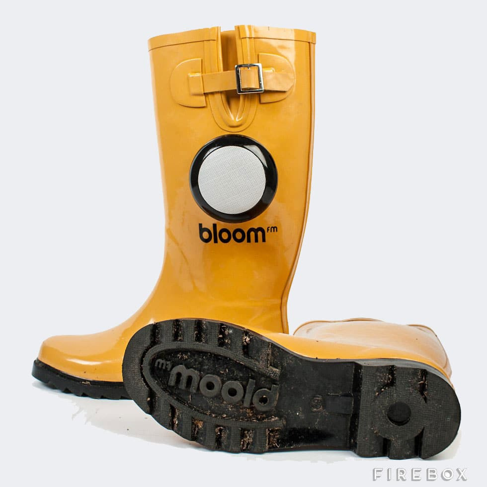 dancing-in-the-rain-boots