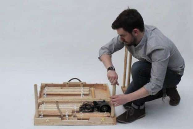 office-furniture-in-small-suitcase