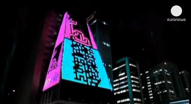 retro-arcade-gaming-facade