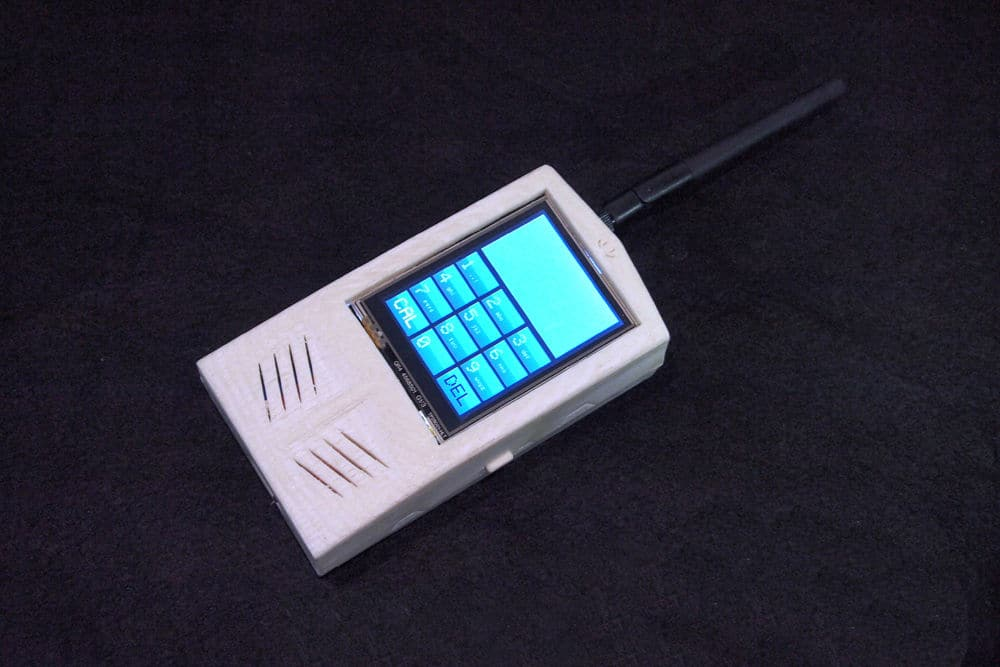 DIY Cell Phone Includes All Core Features Of An Early Mobile Phone