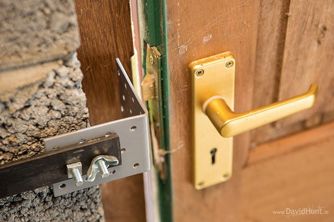 raspberry-pi-unlock-door-hack