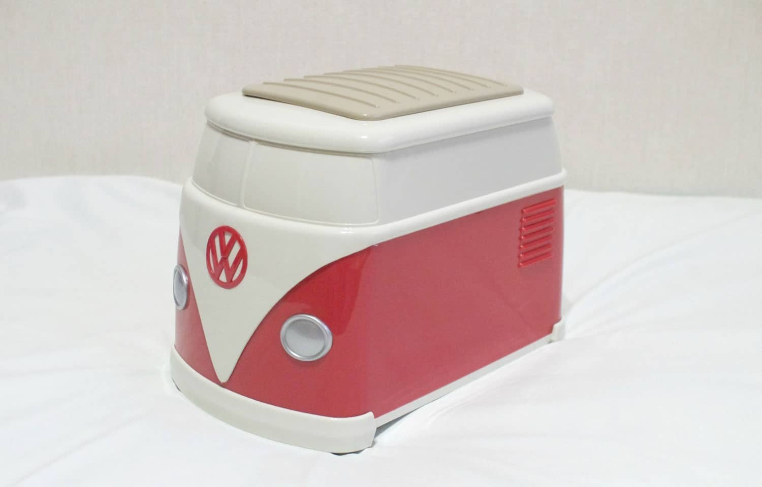 volkswagen-bus-toast-and-toaster