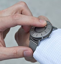 The Revolutionary Watch That Allows You To Feel The Time With A Touch