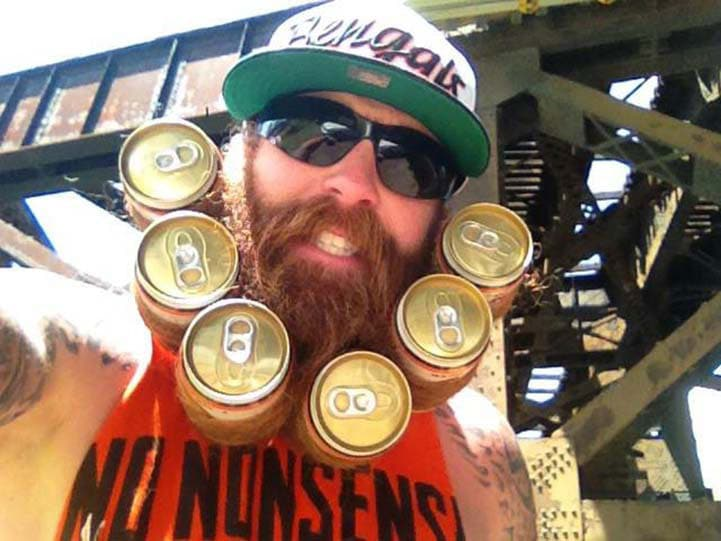 Beer Beard: This Guy's Beard Stores His 6-Pack Of Beer Perfectly