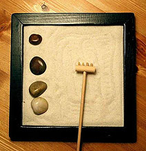 How To Make An Anti-Stress Miniature Zen Garden For Your Desk [Chart]