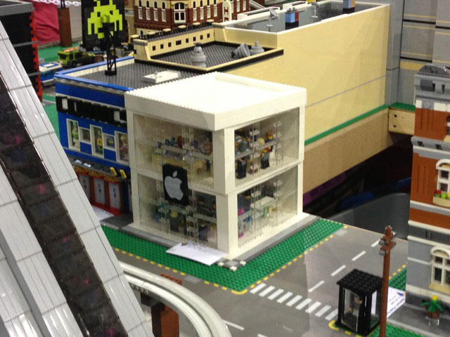 lego-apple-store-build