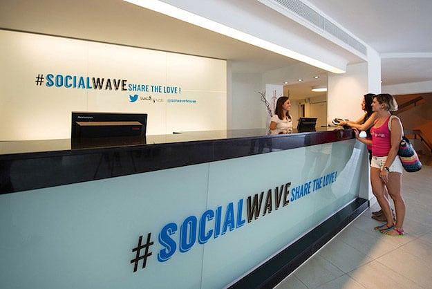 twitter-hotel-social-media-paradise
