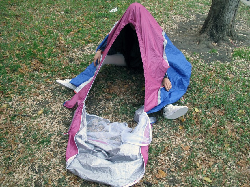 walking-shelter-tent-shoes