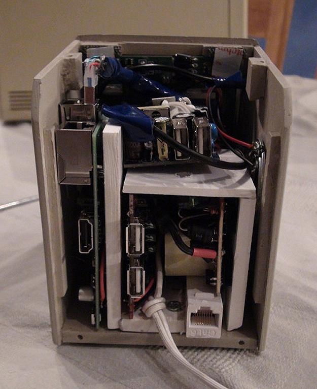 Retro Miniature Replica Macintosh