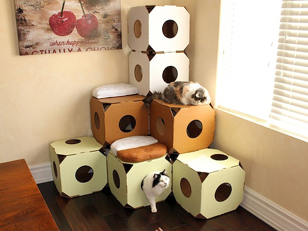 Cardboard furniture the cardboard cat condos your kitty for Diy cat tower cardboard